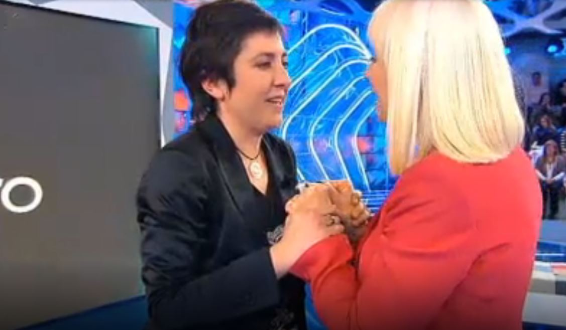 El día que Rafaella Carrá conoció a Isabel, una fan ponferradina en 'Hay una cosa que te quiero decir' 1
