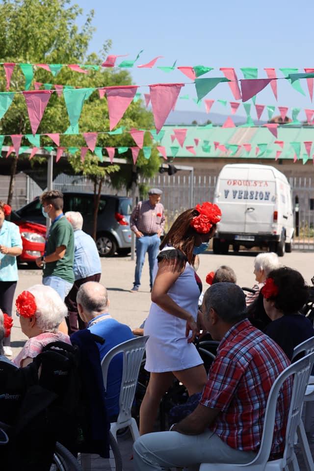 |REPORTAJE| Un día festivo en la Residencia Campolar para pasar página a un año y medio de pandemia 7