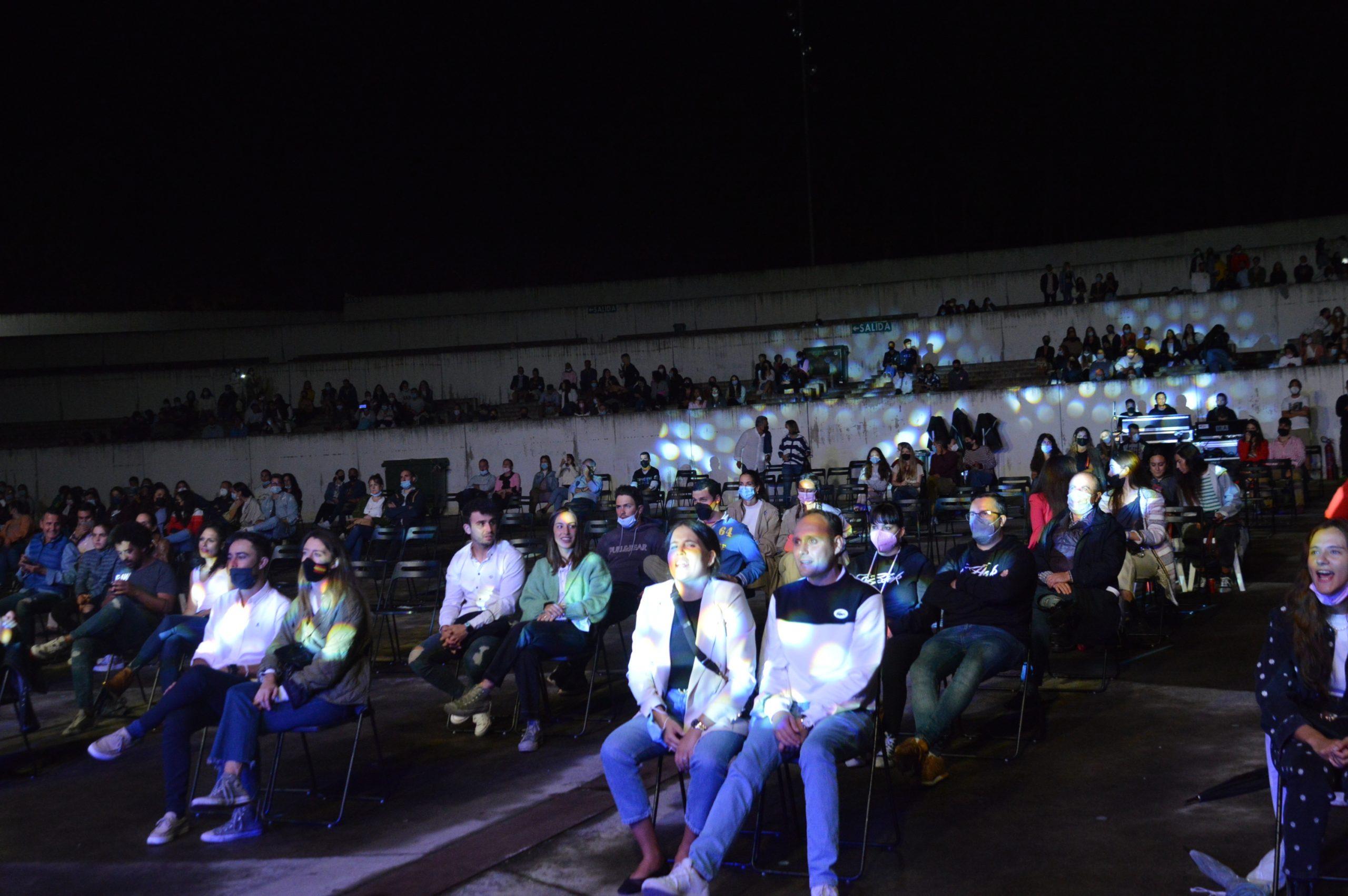 Taburete se entrega a su público en Ponferrada y dan la alternativa al ponferradino Pravlenha 8