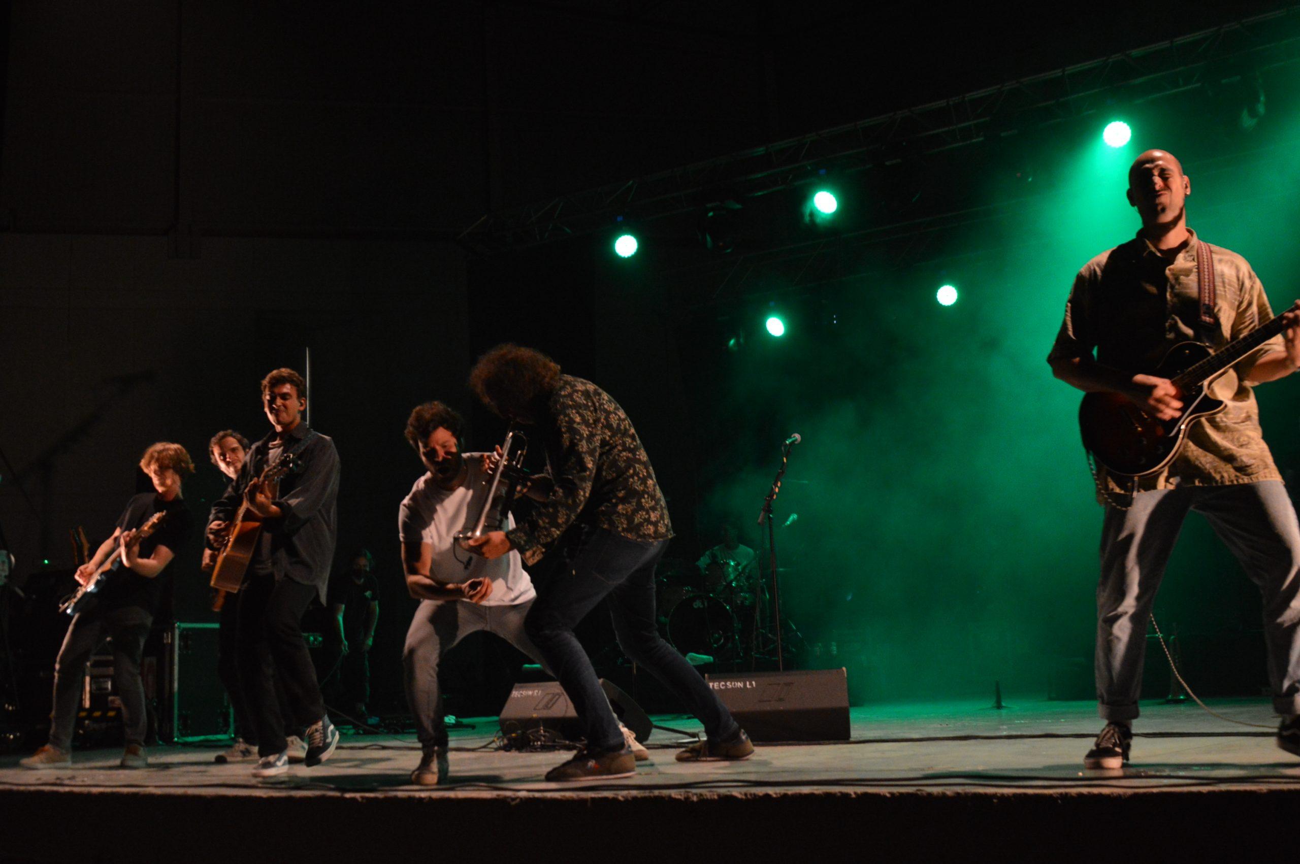 Taburete se entrega a su público en Ponferrada y dan la alternativa al ponferradino Pravlenha 29