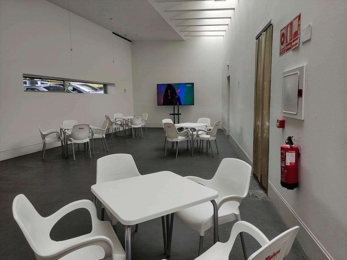 El Campus de Ponferrada busca recuperar el ambiente estudiantil de su cafetería 2