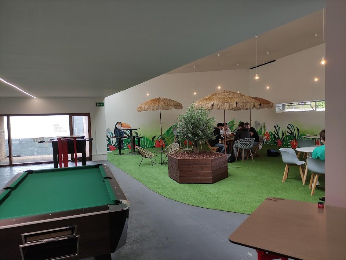 El Campus de Ponferrada busca recuperar el ambiente estudiantil de su cafetería 3