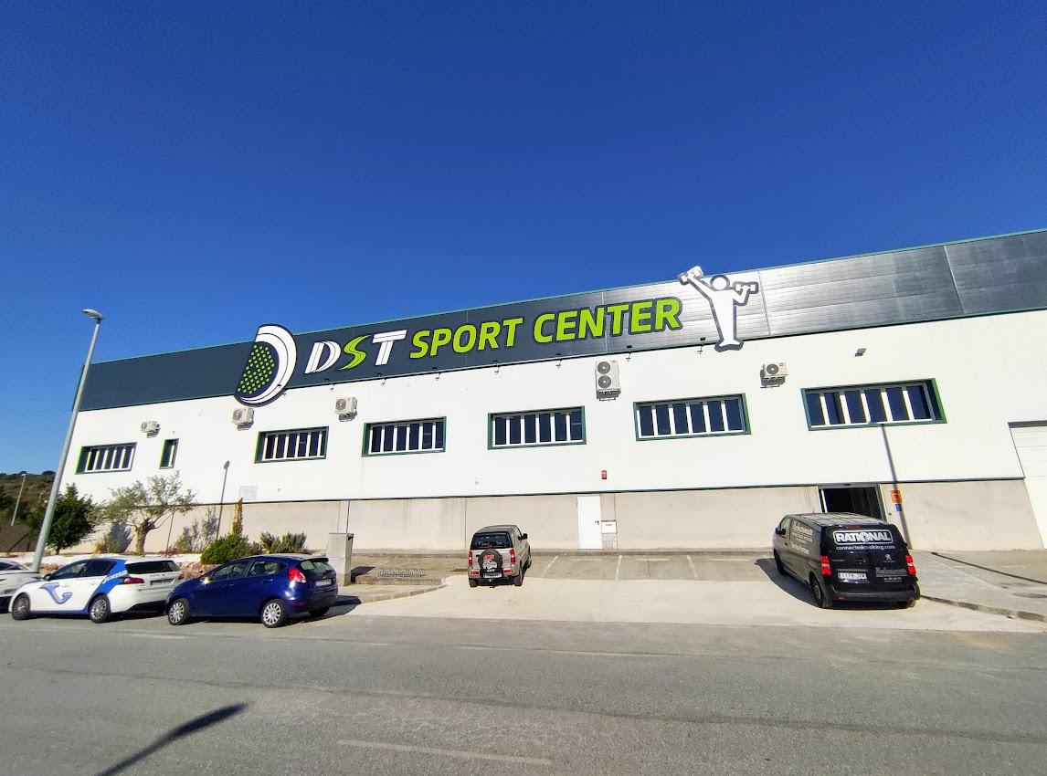Abre en Bembibre DST Sport, un centro de práctica de pádel de alto rendimiento 10
