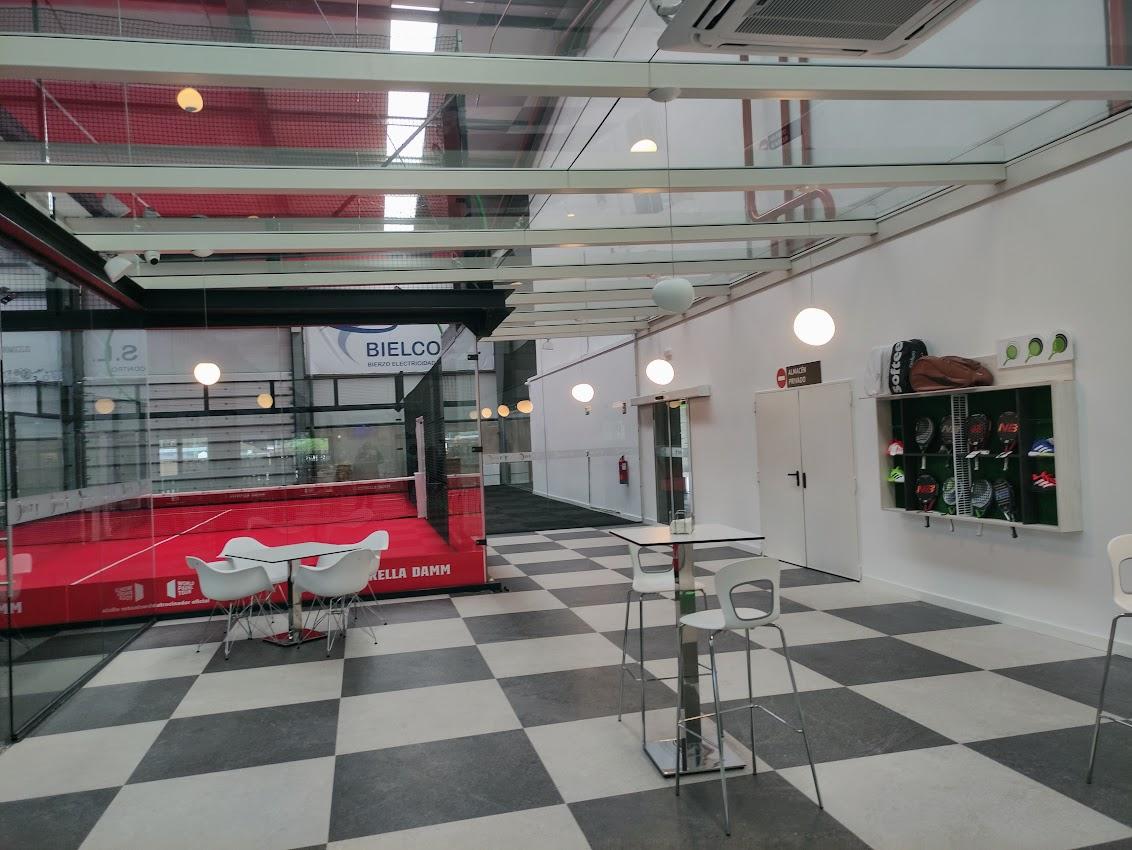 Abre en Bembibre DST Sport, un centro de práctica de pádel de alto rendimiento 9